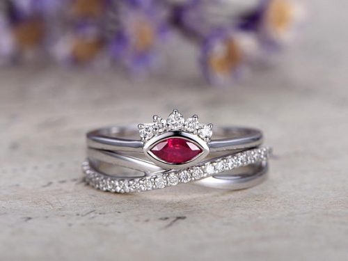 DUPUY 0.25 ct Red Ruby Engagement Ring set