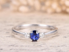 DUPUY VS 4x5mm Oval Natural Blue Sapphire Ring