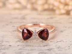 DUPUY  5mm Garnet Bow Ring