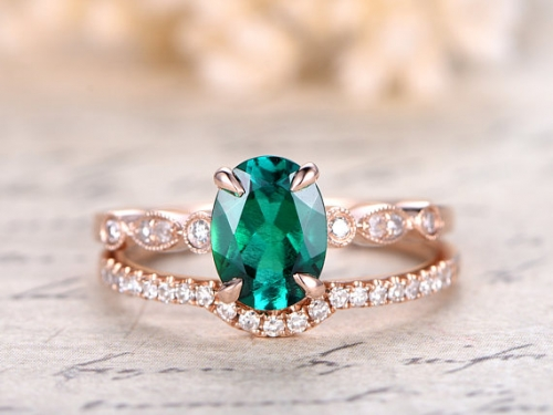 DUPUY 6x8mm Oval Cut Emerald Engagement Ring Set