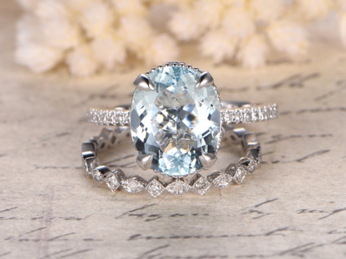 DUPUY 9x11mm Oval Cut Aquamarine Engagement Ring