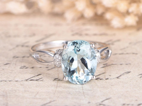 DUPUY VS Natural 8x10mm Oval Aquamarine Engagement Ring White Gold