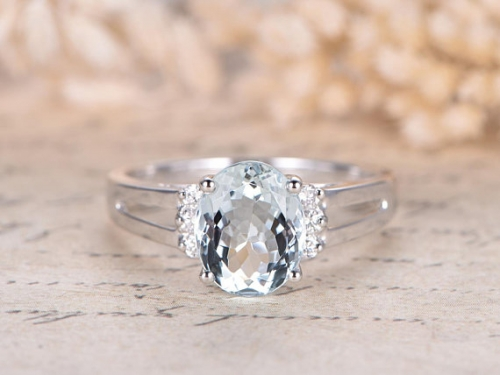 DUPUY VS Natural 8x10mm Aquamarine Engagement Ring Plain Band