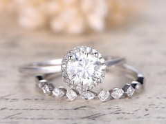 DUPUY 6.5mm Round Cut Moissanite Engagement Ring Set